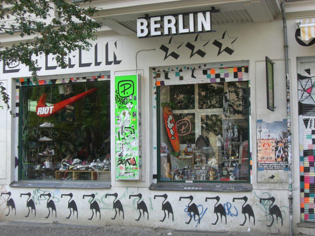 plangl gning af turen til berlin. Black Bedroom Furniture Sets. Home Design Ideas